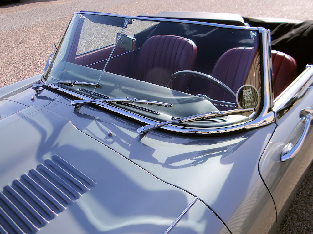 type roadster restored  classic jaguar  austin texas